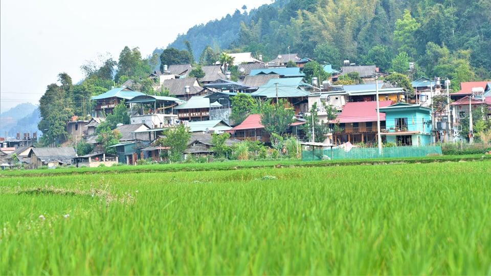 Bản Thái nép mình trên núi huyện Mù Cang Chải