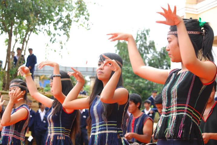 Múa truyền thống