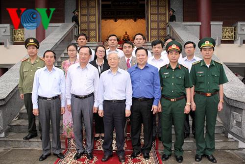 Tổng Bí Thư Nguyễn Phú Trọng thăm xã đặc biệt khó khăn Trường Hà
