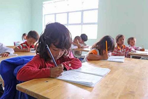Nhiều học sinh khó khăn chưa được hỗ trợ chi phí học tập
