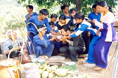 Rượu cần, đặc sản của người Raglai ở Ninh Thuận