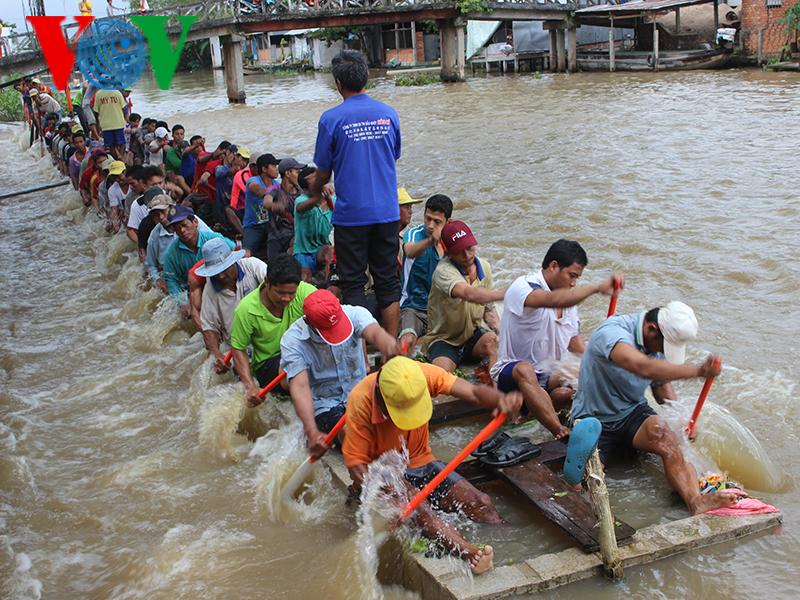 Phum sóc Khmer háo hức chờ đón Lễ hội Ok Om Bok - Đua ghe ngo
