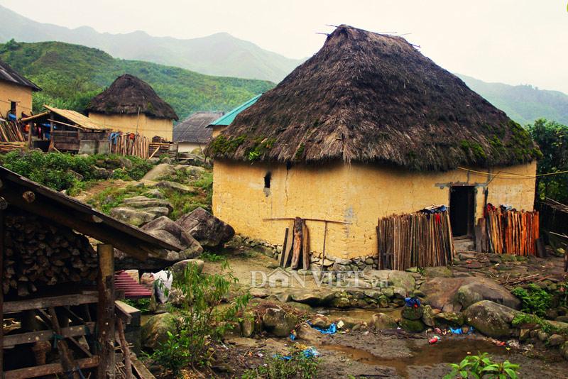 Những ngôi nhà hình nấm đẹp như một bức tranh của người Hà Nhì