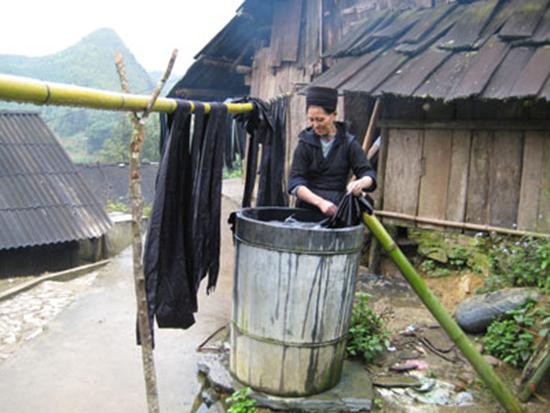 Người Thái giỏi nhuộm chàm