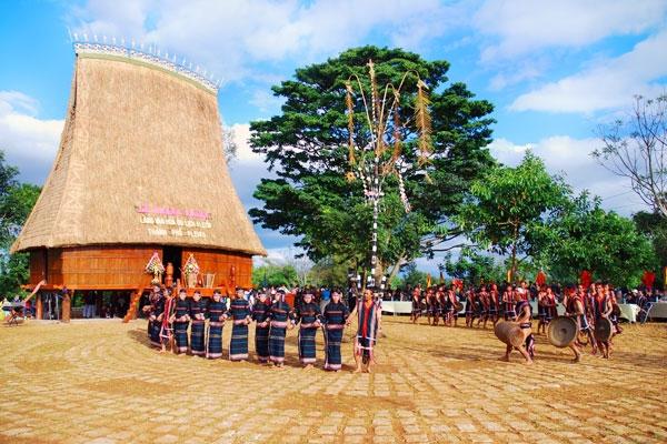 Nhiều điểm du lịch văn hóa DTTS ở Gia Lai hút khách