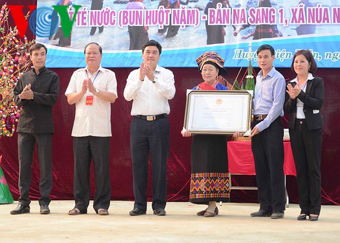 Tết Té nước của dân tộc Lào được công nhận di sản văn hóa phi vật thể