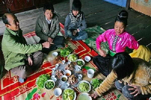 Văn hóa trong mâm rượu của người Thái Tây Bắc