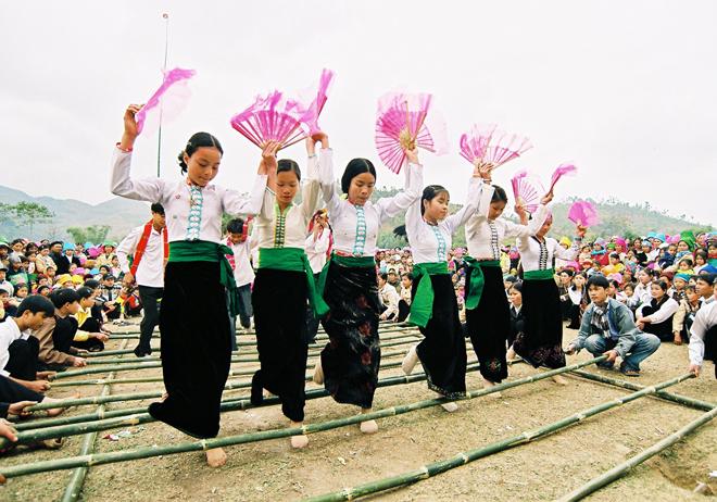 Dân ca - món ăn tinh thần của người Thái