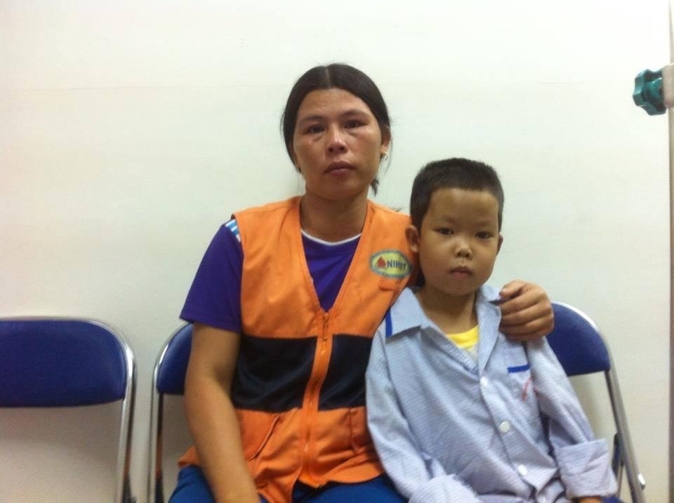 Cháu Hoàng Việt Quang cần sự trợ giúp