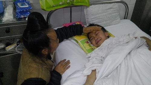 Cho cháu Lường Thị Linh một cơ hội đến trường